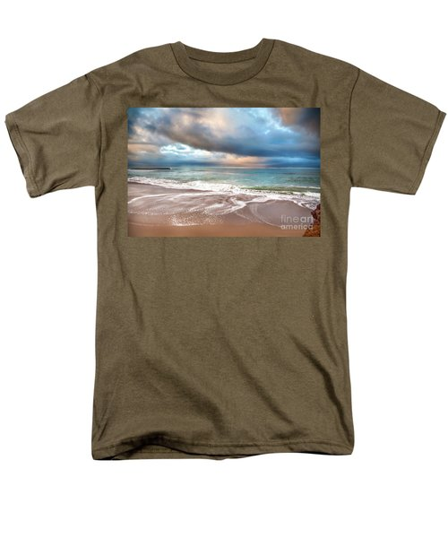 Wonderland Men's T-Shirt  (Regular Fit) by David Millenheft
