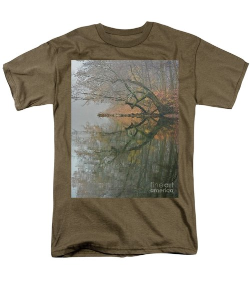 Men's T-Shirt  (Regular Fit) featuring the photograph Yearming by Tom Cameron