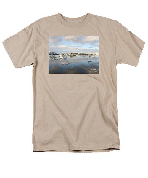 Jokulsarlon Glacier Lagoon Men's T-Shirt  (Regular Fit)