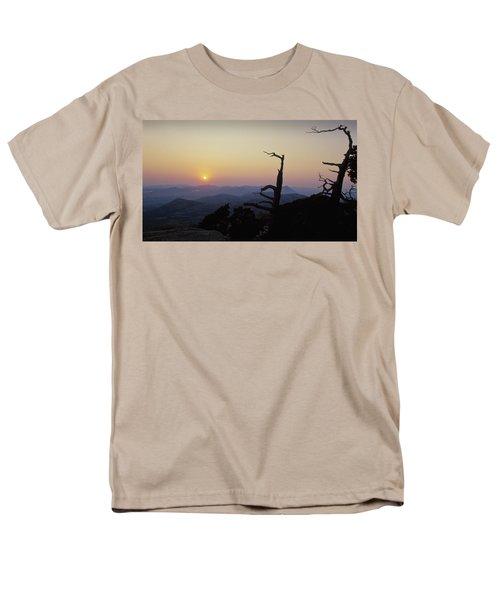 Sunset From Mt Scott Men's T-Shirt  (Regular Fit)