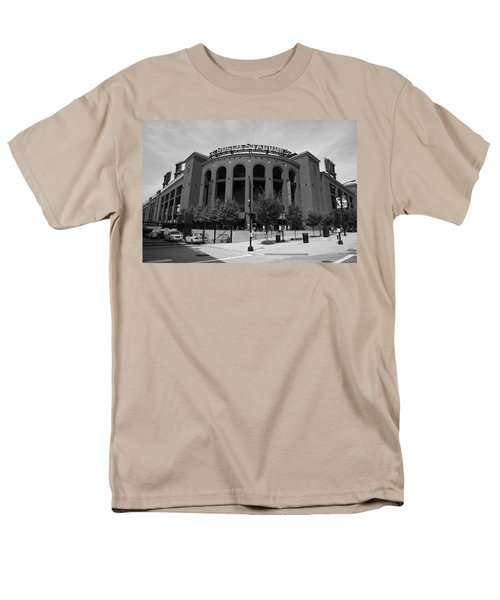 Busch Stadium - St. Louis Cardinals Men's T-Shirt  (Regular Fit)