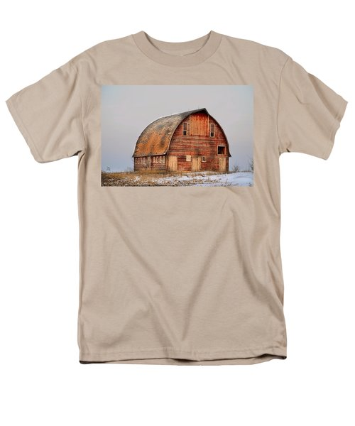 Barn On The Hill Men's T-Shirt  (Regular Fit) by Bonfire Photography