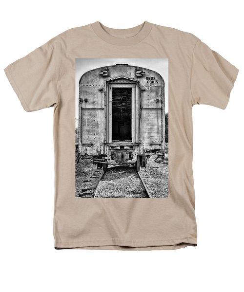 Box Car In Bw Men's T-Shirt  (Regular Fit)