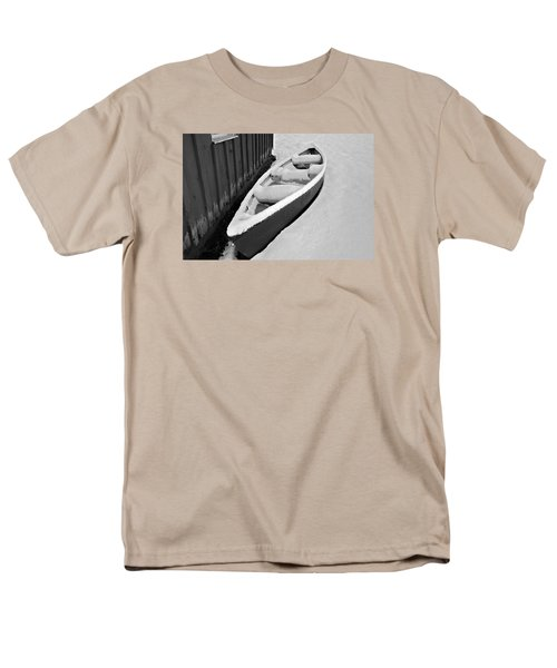 Canoe In The Snow Men's T-Shirt  (Regular Fit) by Susan Leggett