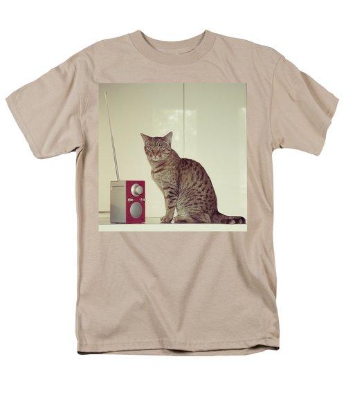 Concentrated Listener Men's T-Shirt  (Regular Fit)