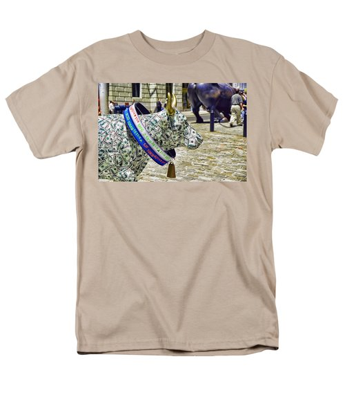 Cow Parade N Y C  2000 - Live Stock Cow Men's T-Shirt  (Regular Fit) by Allen Beatty