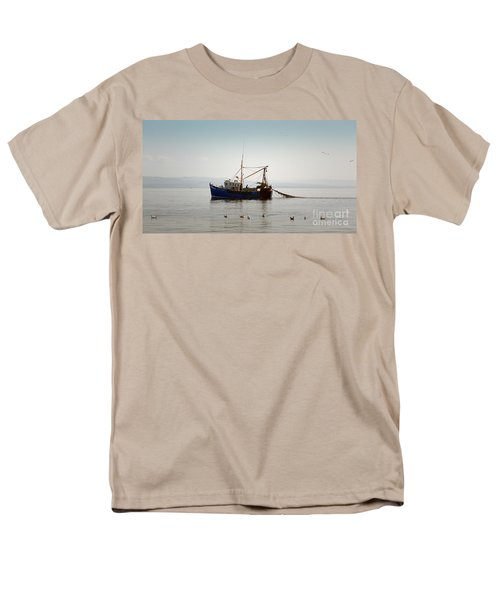 Daily Catch Men's T-Shirt  (Regular Fit)
