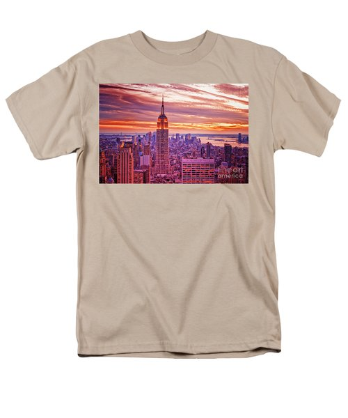 Evening In New York City Men's T-Shirt  (Regular Fit) by Sabine Jacobs