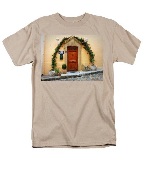 La Maison Du Miel Men's T-Shirt  (Regular Fit) by Lainie Wrightson
