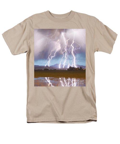 Lightning Striking Longs Peak Foothills 4c Men's T-Shirt  (Regular Fit)