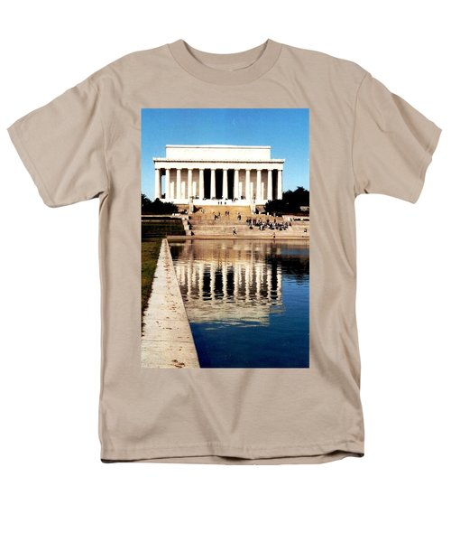 Men's T-Shirt  (Regular Fit) featuring the photograph Lincoln Memorial by Daniel Thompson