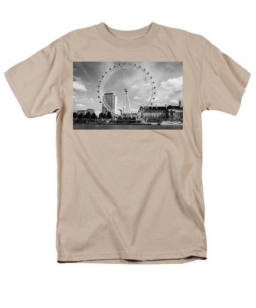 Men's T-Shirt  (Regular Fit) featuring the photograph London Eye Head-on Bw by Matt Malloy