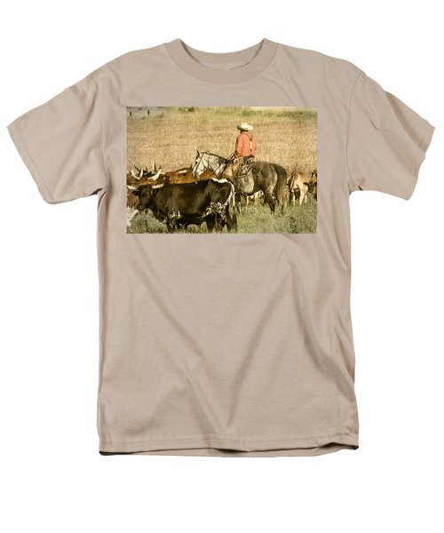 Men's T-Shirt  (Regular Fit) featuring the photograph Longhorn Round Up by Steven Bateson