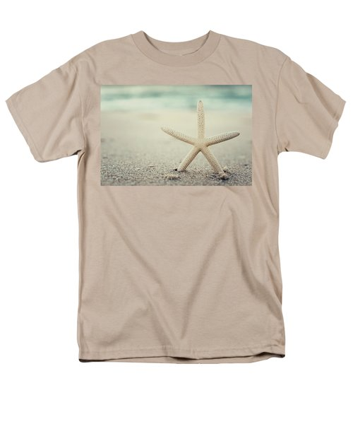 Starfish On Beach Vintage Seaside New Jersey  Men's T-Shirt  (Regular Fit) by Terry DeLuco