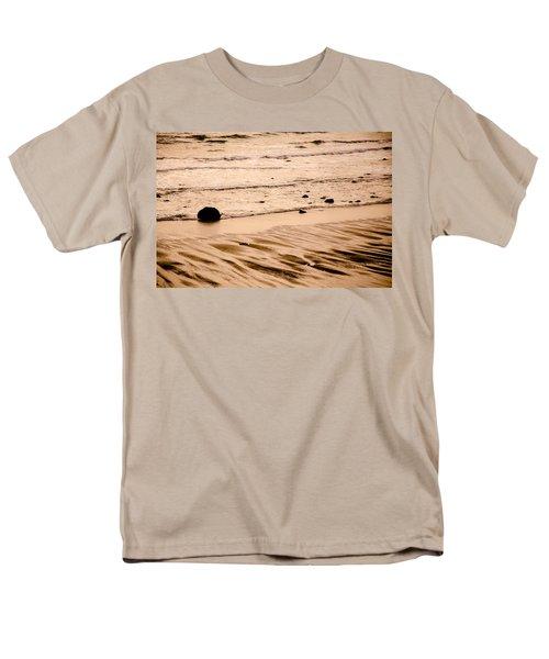 Sunset Palette Wreck Beach Men's T-Shirt  (Regular Fit) by Roxy Hurtubise