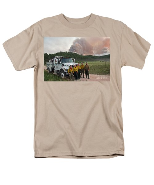 Men's T-Shirt  (Regular Fit) featuring the photograph Umpqua Engine 25 On Myrtle Fire by Bill Gabbert