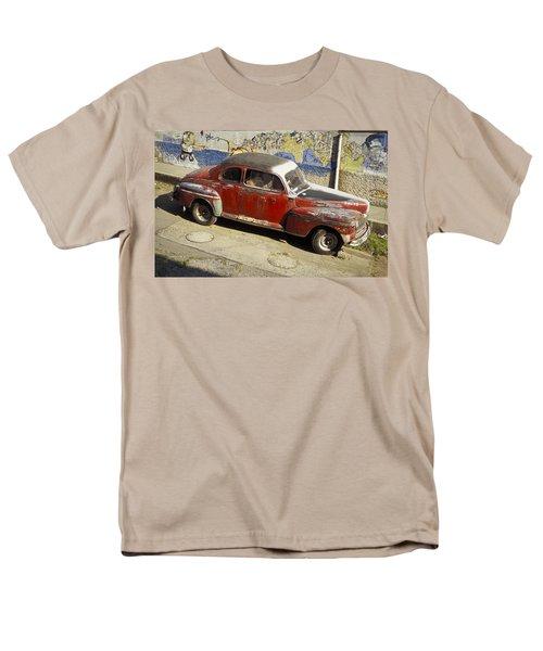 Vintage Car Men's T-Shirt  (Regular Fit) by Lana Enderle