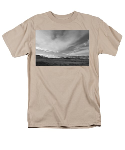 Men's T-Shirt  (Regular Fit) featuring the photograph Across The Valley by Kathleen Grace