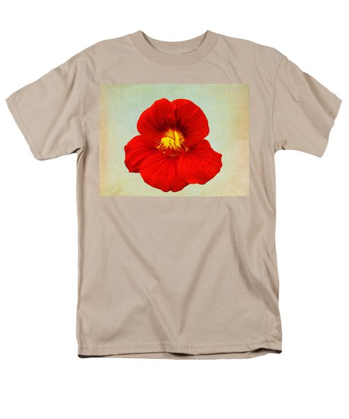 Daylily On Texture Men's T-Shirt  (Regular Fit)