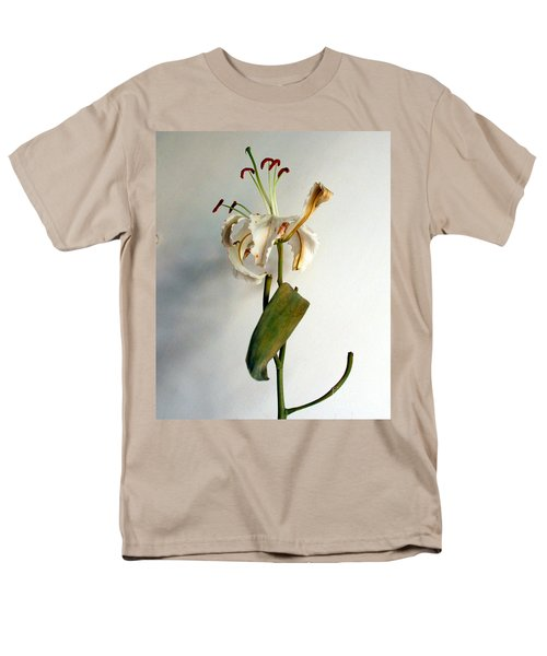 Men's T-Shirt  (Regular Fit) featuring the photograph Last Moments by Pravine Chester