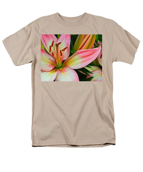Men's T-Shirt  (Regular Fit) featuring the photograph Pastel Pretty by Lynne Jenkins