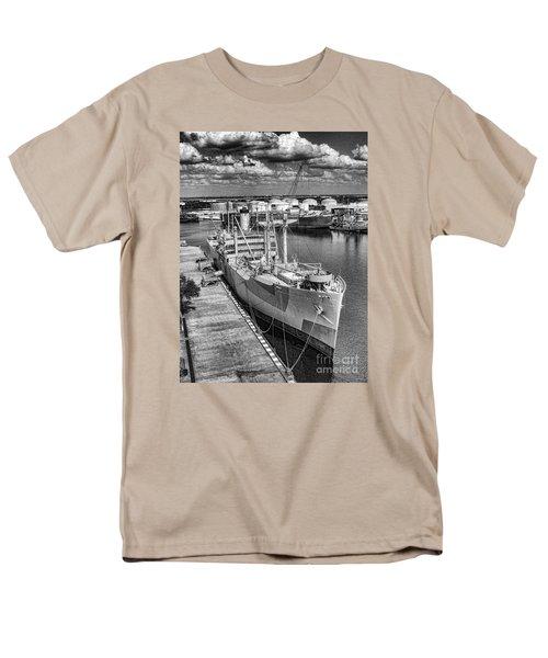 American Victory Men's T-Shirt  (Regular Fit)