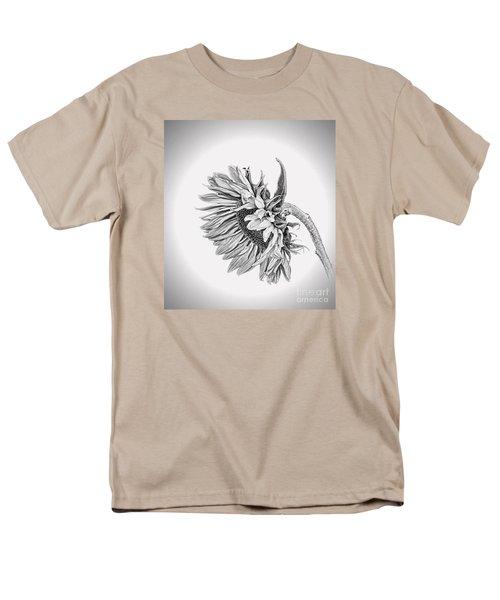 Bowed Sunflower Bw Men's T-Shirt  (Regular Fit)