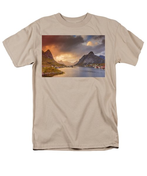 Crazy Sunset In Lofoten Men's T-Shirt  (Regular Fit)
