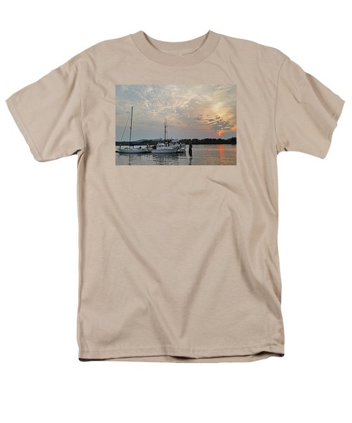 Men's T-Shirt  (Regular Fit) featuring the photograph Early Morning Calm by Suzy Piatt
