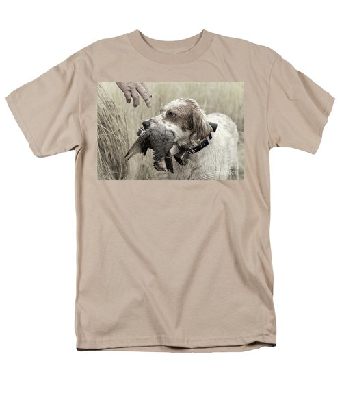 English Setter And Hungarian Partridge - D003092a Men's T-Shirt  (Regular Fit) by Daniel Dempster