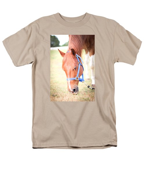 Men's T-Shirt  (Regular Fit) featuring the photograph Horse Eating In A Pasture In Vibrant Color by Kelly Hazel