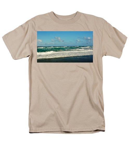 Kite Surfing Men's T-Shirt  (Regular Fit) by John Wartman