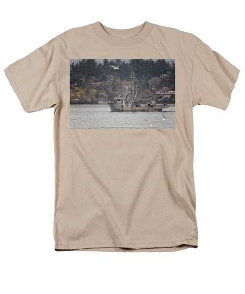 Men's T-Shirt  (Regular Fit) featuring the photograph Kwiaahwah by Randy Hall