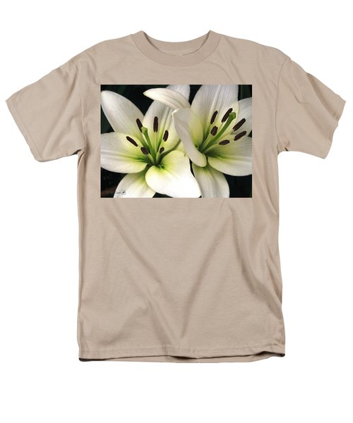 Oriental Lily Named Endless Love Men's T-Shirt  (Regular Fit) by J McCombie