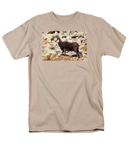 Men's T-Shirt  (Regular Fit) featuring the photograph Ready For The Challenge by Richard Patmore