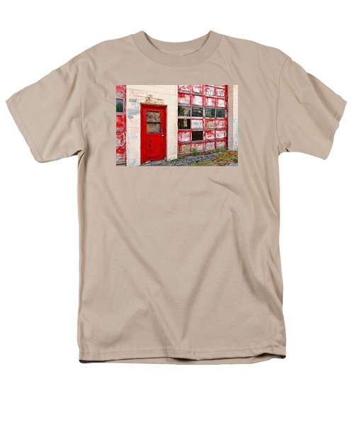 Men's T-Shirt  (Regular Fit) featuring the photograph Retired Garage by Christopher Holmes