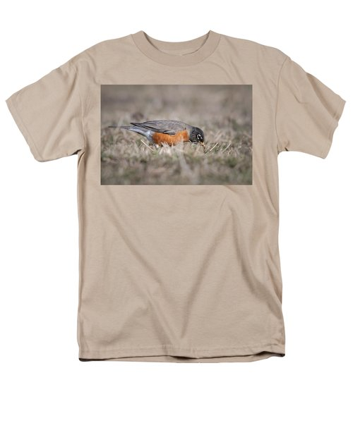Men's T-Shirt  (Regular Fit) featuring the photograph Robin Pulling Worm by Tyson Smith