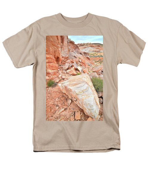 Men's T-Shirt  (Regular Fit) featuring the photograph Sandstone Arrowhead In Valley Of Fire by Ray Mathis