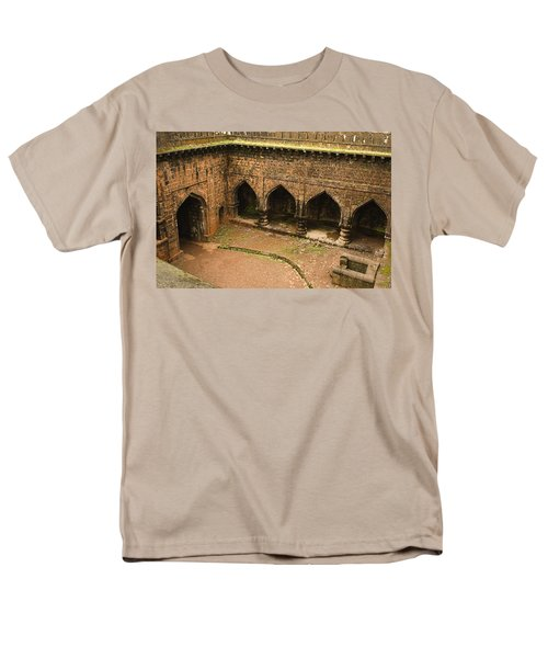 Skc 3278 The Ancient Courtyard Men's T-Shirt  (Regular Fit) by Sunil Kapadia
