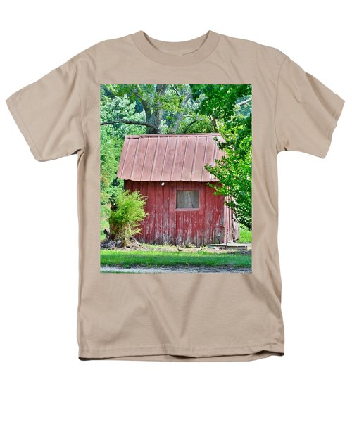 Small Red Barn - Lewes Delaware Men's T-Shirt  (Regular Fit)