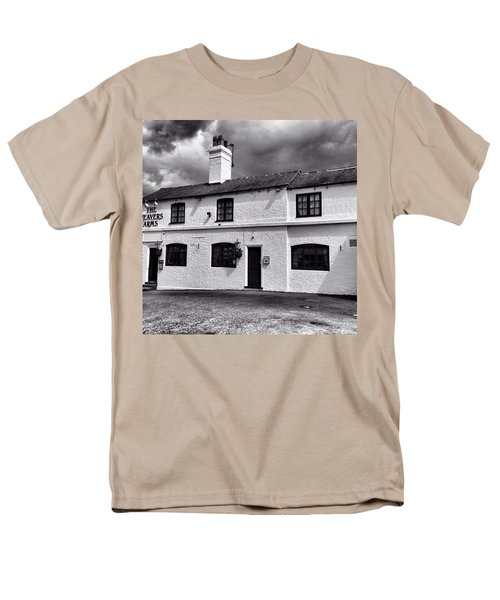 The Weavers Arms, Fillongley Men's T-Shirt  (Regular Fit) by John Edwards