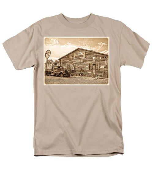 Vintage Service Station Men's T-Shirt  (Regular Fit) by Steve McKinzie