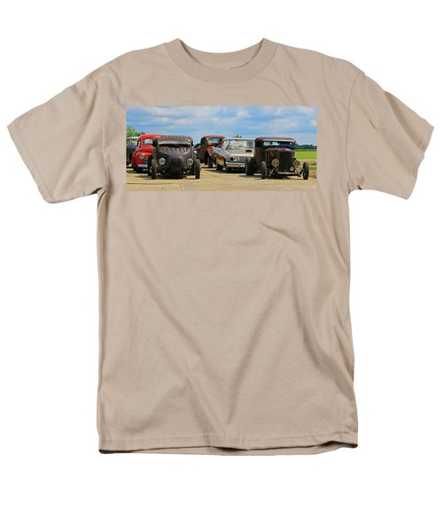 Men's T-Shirt  (Regular Fit) featuring the photograph Waiting In Line by Christopher McKenzie