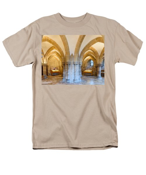 Wells Cathedral Undercroft Men's T-Shirt  (Regular Fit) by Colin Rayner