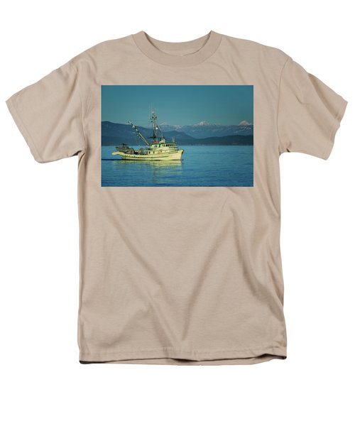 Men's T-Shirt  (Regular Fit) featuring the photograph Western King At French Creek by Randy Hall