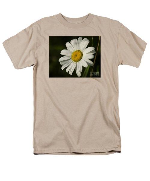 White Daisy Flower Men's T-Shirt  (Regular Fit)