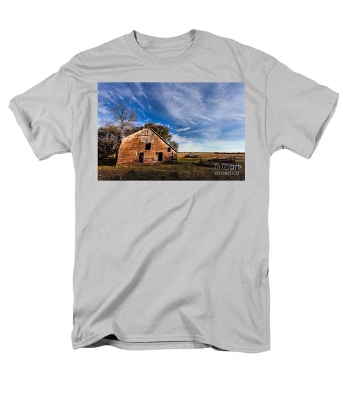 Barn In The Midwest Men's T-Shirt  (Regular Fit) by Steven Reed