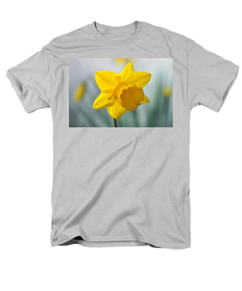 Classic Spring Daffodil Men's T-Shirt  (Regular Fit) by Terence Davis