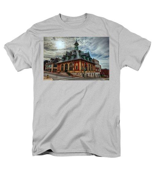 Customs House Museum Men's T-Shirt  (Regular Fit) by Dan McManus