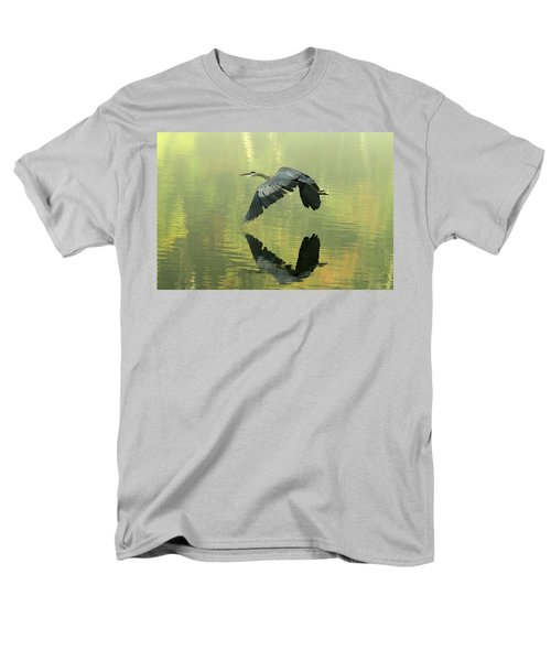 Great Blue Fly-by Men's T-Shirt  (Regular Fit)
